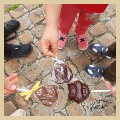 visuel présentant les sucettes de chocolaterie maelig